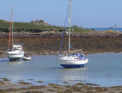 'Aquila' and 'Crispin' dry out at anchor in the Scillies
